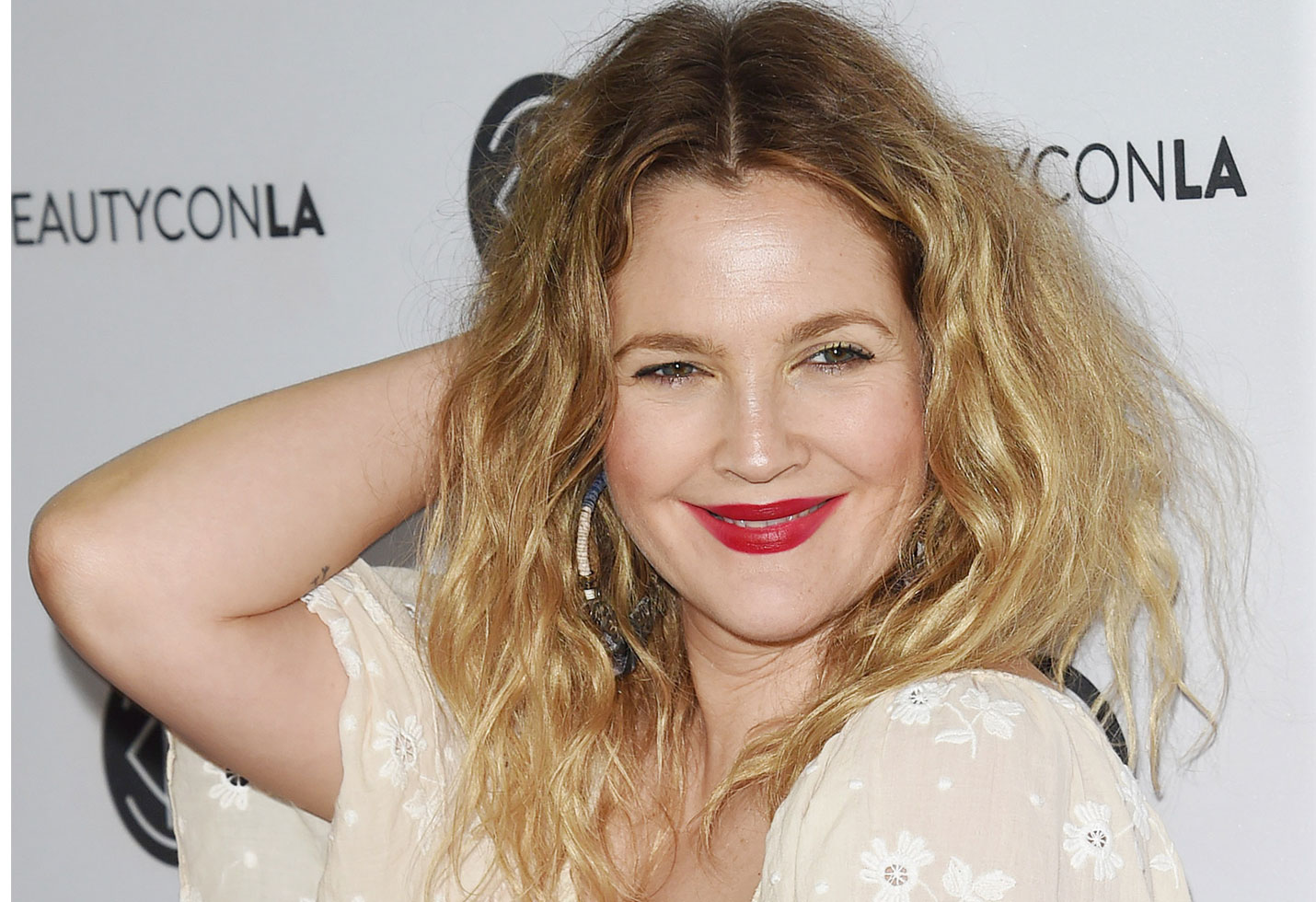 Drew Barrymore is done using dating apps to find love