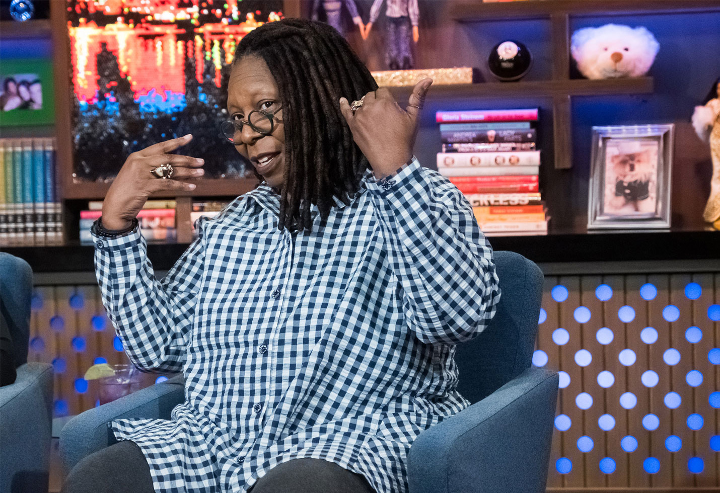 Whoopi goldberg pneumonia 1 in 3 chance dying the view