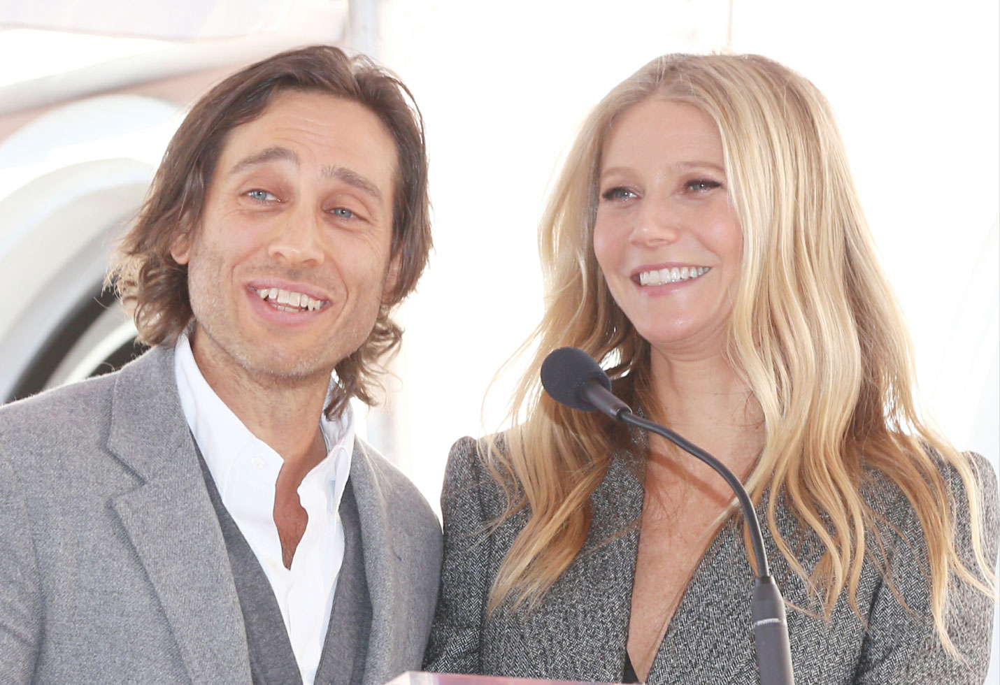 Gwyneth paltrow husband brad falchuk dont live together