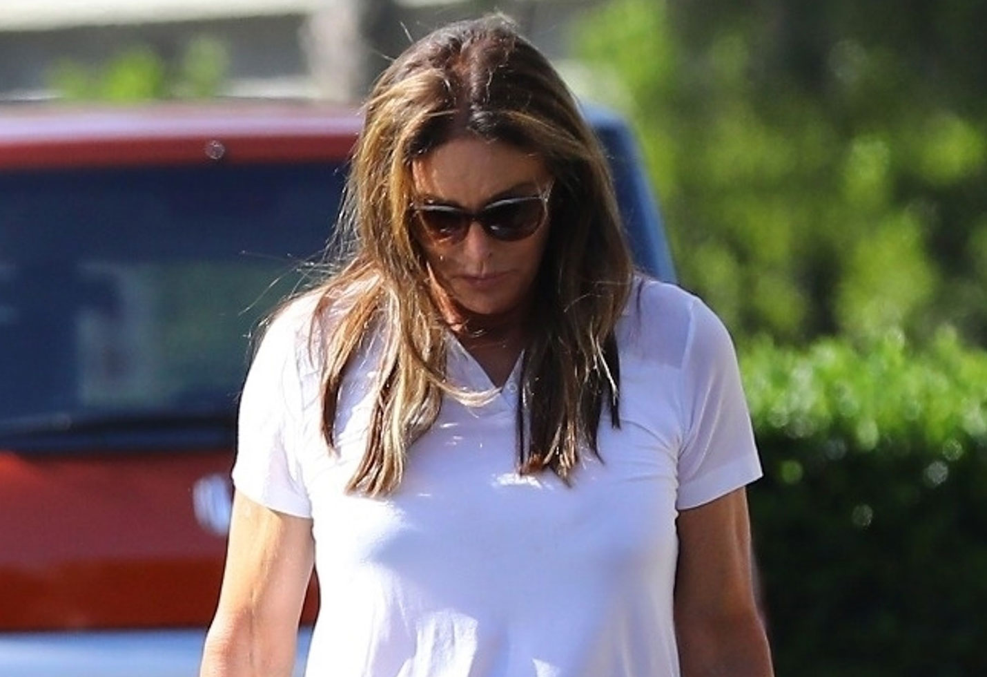 Caitlyn Jenner stops by Starbucks after visiting Kylie at the hospital?
