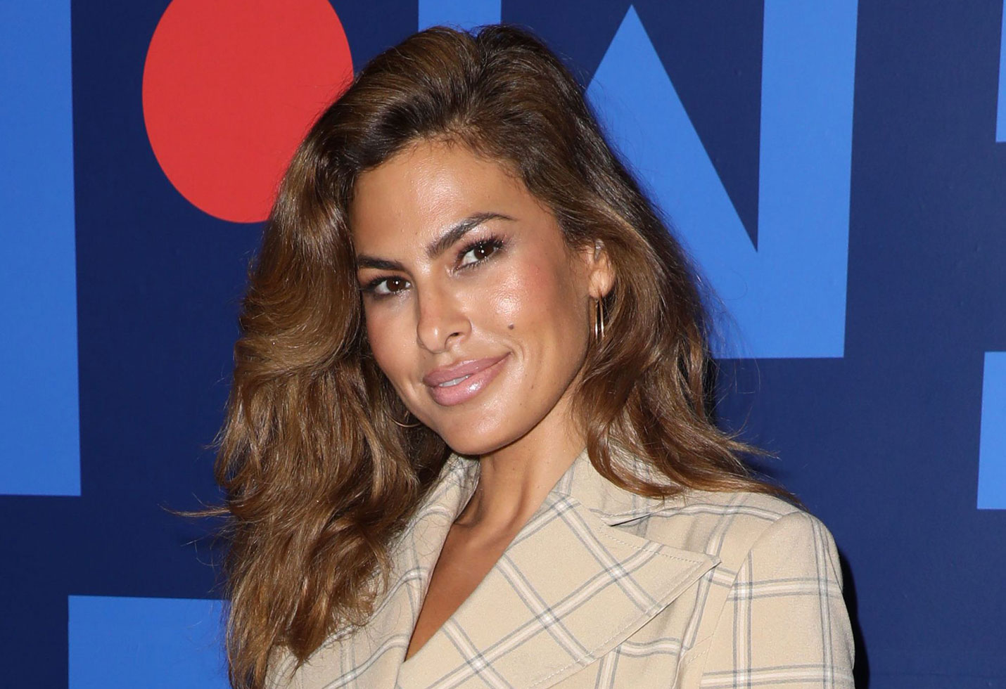 Eva Mendes Gets Her Hair Cut At Supercuts See The Shocking Photo
