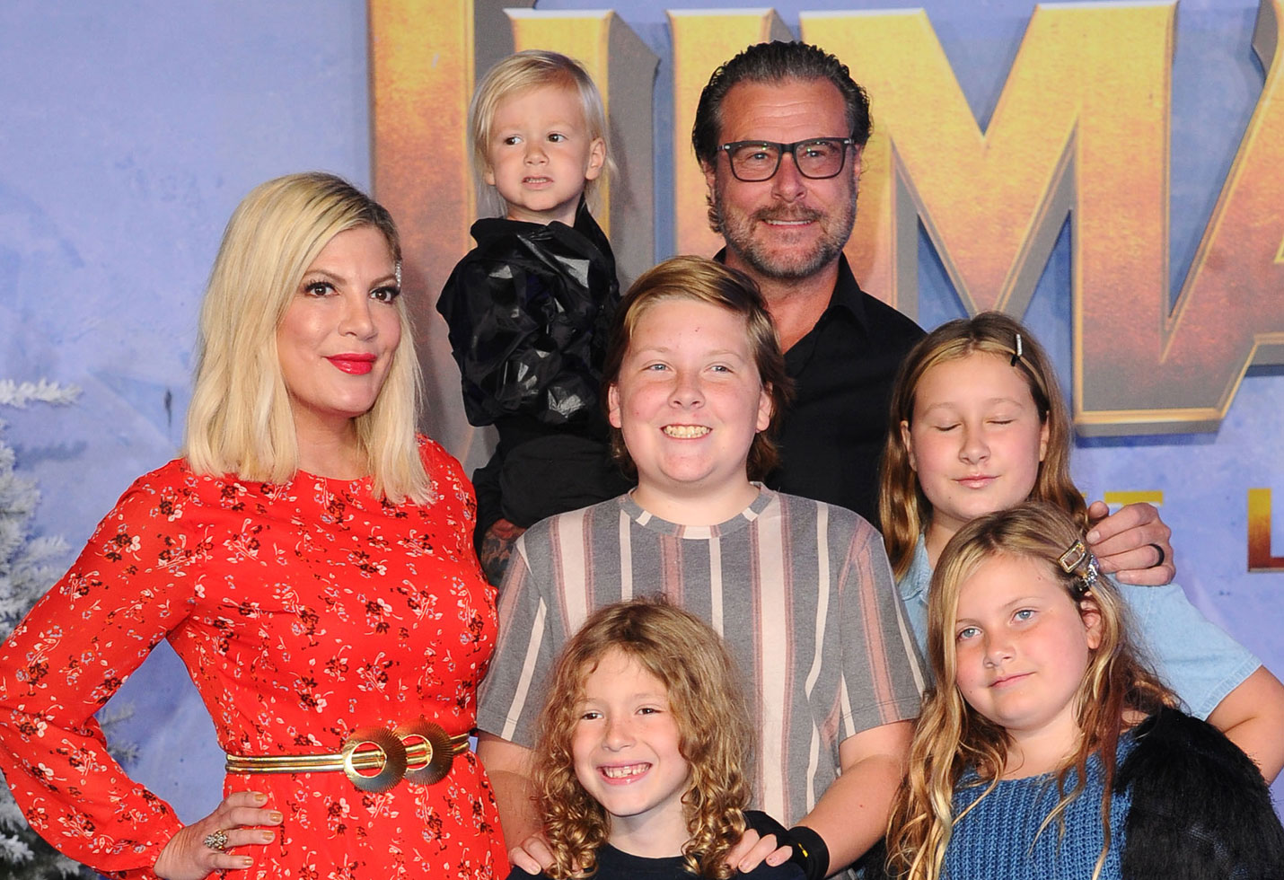 -PICTURED: Tori Spelling and Family